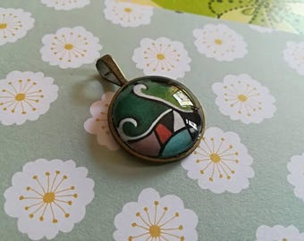 Glass cabochon pendant with print