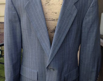 "Hart Schaffer & Marx high end ""Gold Trumpeter"" Suit, Full Cuffs, Suspender Buttons - 38S- small"