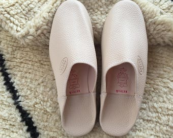 Moroccan Traditional Babouche, Handmade Leather Slippers - Cream
