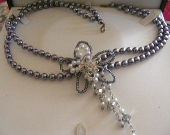 Stunning Faux Pear Necklace With Lovely Detail