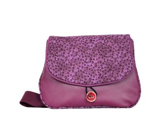 Bag flat woman in faux leather fabric and purple violet flowers print