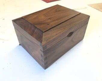 Valet/Keepsake/Jewellery American Walnut Box