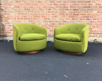 Pair of Milo Baughman for Thayer Coggin Swivel Club Chairs