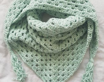 Triangle scarf, ladies scarf, granny square, accessories, gift for her, green scarf, green shawl, ladies shawl, crochet shawl, crochet, gift