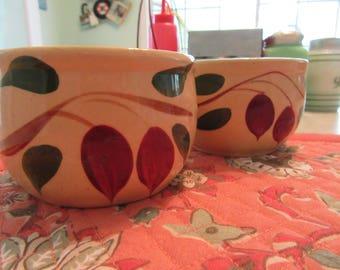 Vintage Watt Pottery Small Bean Cup #75 Teardrop