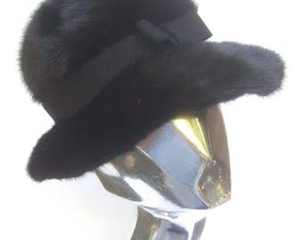 SAKS FIFTH AVENUE Luxurious Plush Ranch Mink Hat  c 1970