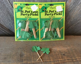 Vintage St Patrick's Day Tooth Picks Paper Decoration Kit  Paper/Cardboard Cupcake Party Favors Shamrocks St. Patty Green Clover Party Pics