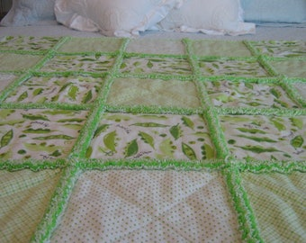 Sweet Pea Rag Quilt / Peas in a Pod Rag Quilt / Baby Rag Quilt / Child Rag Quilt / Green Rag Quilt