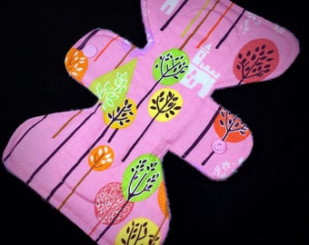 """Castles in the Trees - 7"""" inch - 2L - Reusable Cloth Pad"""