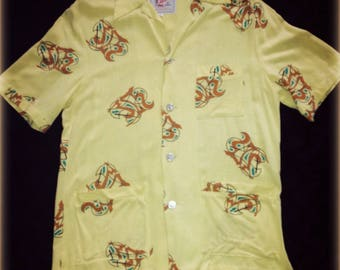 1950s incredible cabana shirt with great print!