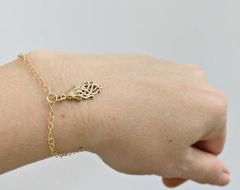 Jellyfish Charm Bracelet | Layered Stacking Bracelet | Delicate Everyday Bracelet | Nautical Jewelry | Silver or Gold