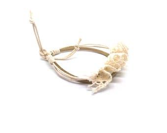Lace ecru bracelet
