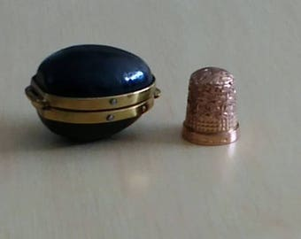 Solid 9ct Gold Thimble with Leather and Brass Case