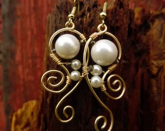 Dancing Pearls - wire wrapped earrings with glass pearls