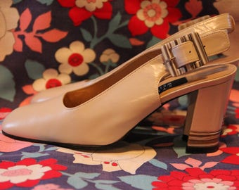 Stuart Weitzman Squaretoe Shell Detail Slinback Heels