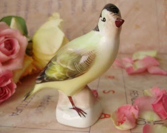 Vintage ,Hungarian Aquincum porcelain bird figurine,finch,stamped,handpainted