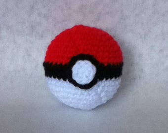 Crochet Pokeball Amigurumi