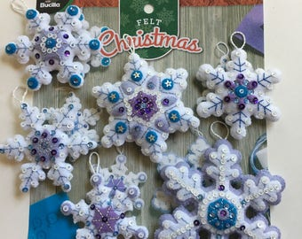 "Six Bucilla New ""Sparkle Snowflakes"" #86724 Christmas Ornaments Hand Made Ready to Hang Heirlooms"
