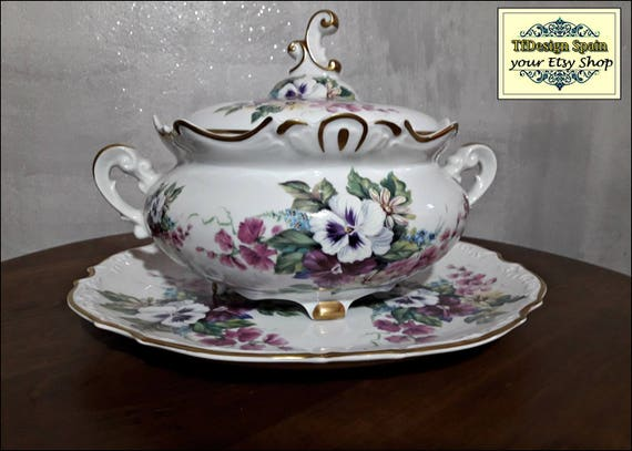 Tureen soup set, Soup tureen dinnerware, Soup tureen white and violet, Classic tureen soup, Soup tureen centerpiece, Soup tureen decorative