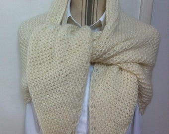 Trendy lightweight natural wool shawl