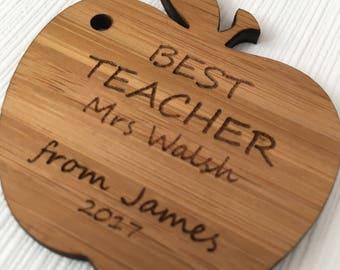 best teacher keyring, teacher apple keyring, personalised teacher gift, gift for teacher, teacher keyring, thank you gift, end of term gift