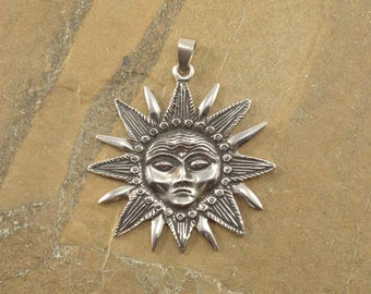 Detailed Sun Face Pointed Rays Pendant Sterling Silver 26g