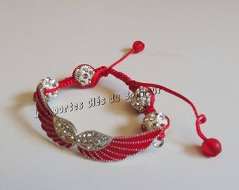 Red and white wings bracelet