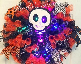 Light Up Halloween Wreath,  Halloween Mesh Wreath,  Skeleton Wreath, Halloween Wreath with lights, Halloween Decor, Halloween Door Hanger