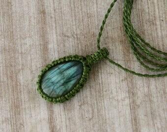 Labradorite necklace,christmas gift,macrame necklace,Labradorite macrame necklace,Gemstone Necklace,gift for her,Gift ideas,Crystal necklace