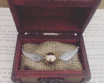 Harry potter golden snitch fashion bracelet in miniature vintage wooden trunk gift box