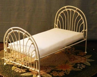 """Artisan Made Dollhouse Miniature Wrought Iron Look Bed """"Gillian"""" 1:12 Scale Twin and Full, Half Scale"""