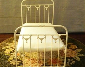 "Artisan Made Dollhouse Miniature Wrought Iron Look Bed ""Mia"" 1:12 Scale Twin and Full"