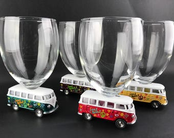 4 wineglasses on wheels - Combi Volkswagen