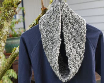 Chunky Heather Gray Handknit Cowl/Infinity Scarf/Loop Scarf/Circle Scarf/Unique Valentine's Gift