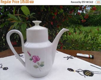 White porcelain, jug for hot and cold drinks, jug with lid, Produced in Bulgaria in the 80s,