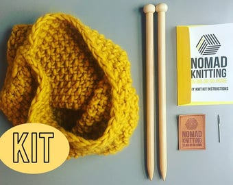DIY Knitting Kit / Beginners Knit Kit /Snood  - Sassy Susan (Large) & Lil Sassy (Small) / Super Chunky Knit  / Extreme Knitting / Pattern