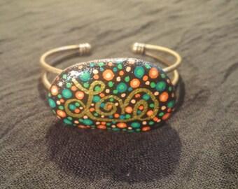 "Bracelet stone painted ""Love"" green and orange"