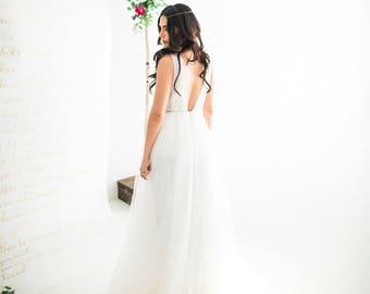 Bohemian Tulle Wedding Dress, Bohemian Tulle Bridal Dress, Bohemian Wedding Dresses, Boho Wedding Dresses, Beach Wedding Dresses. #D01B