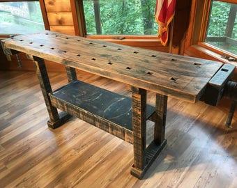 VINTAGE CARPENTER / CABINETMAKER Workbench wonderful patina