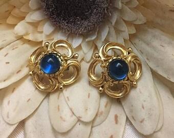 VINTAGE - blue flower pierced earrings