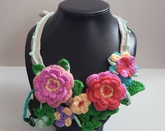 Crochet Cluster Flowers and Vines Necklace