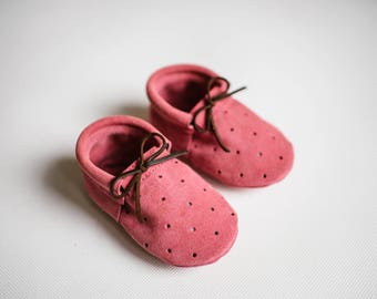 baby moccasins/ loafers with holes/ pink suede leather