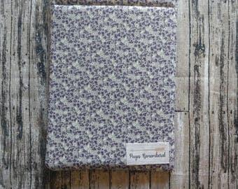 Purple and gray boquet