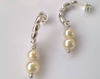 roll earrings-spiral-pearl-white-bride-contemporary jewels-dangling earrings-handcrafted-gift for her-engagement gift-gift for mom-light