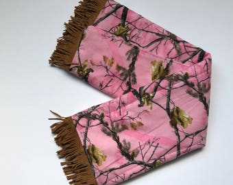 Pink camo baby burp cloth gift set for newborn baby gift for new mom shower gift idea for outdoor hunting lover baby gift for infant gift