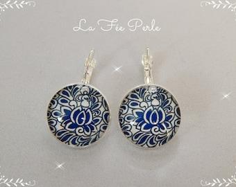 EARRINGS CABOCHON GLASS, BLUE FLOWERS
