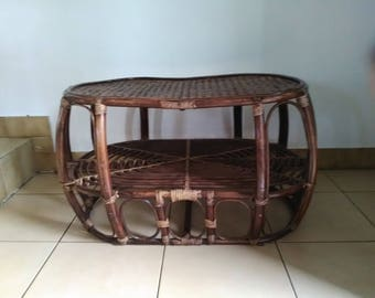 Vintage oval coffee table in rattan