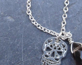 Skull and silver smoky quartz necklace