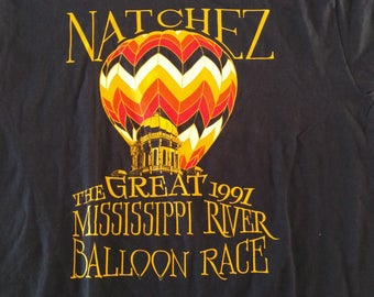 Super cool like new The Great 1997 Mississippi River Balloon Race. Size L.