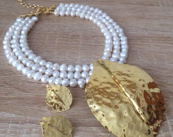 Pearl beaded necklace /gold pendant necklace / Pearls necklace / white beaded necklace / bridesmaids necklace / bridal necklace
